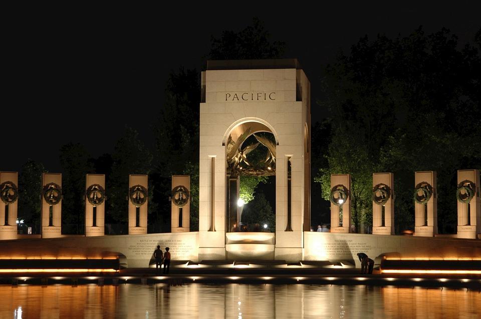 WORLD WAR 2 MEMORIAL